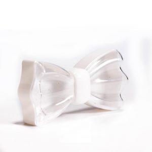 """קופסא פלסטי בצורת פפיון 11/5.5 ג.3 ס""""מ-לבן"""