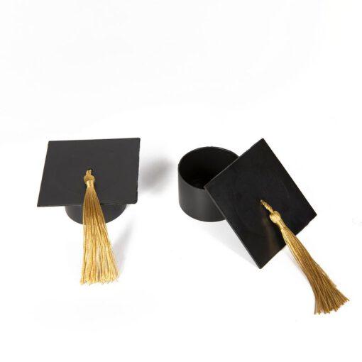"כלי פלסטי בצורת כובע סטודנט ק.4.4 ג.3 ס""מ"